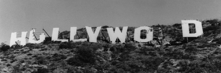 picture of the old hollywood sign